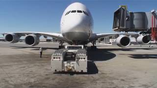 Pilotseye.tv - Lufthansa Airbus A380 - Departure from San Francisco [English Subtitles]