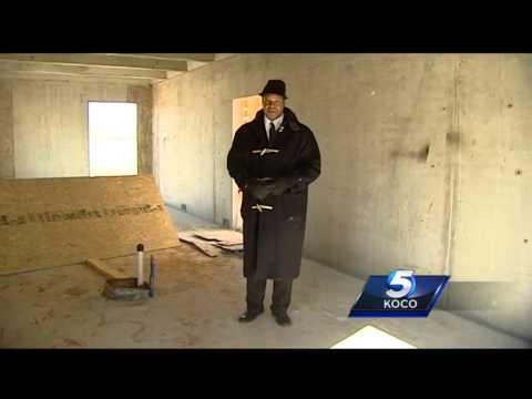Contractor building 'tornado-proof' home