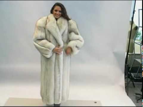 97ee1daa673 I am in a fur coat with fox - Vintage Arctic Fox Fur Coat