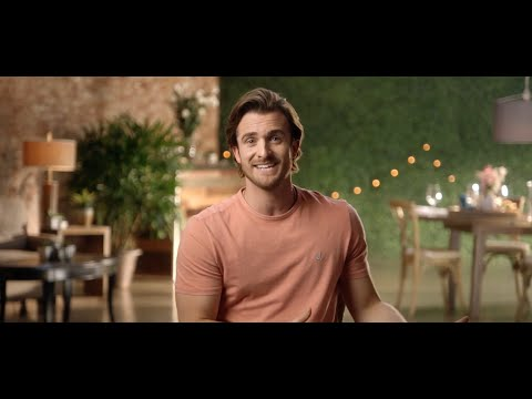 "Matthew Hussey Gives Texting Advice in ""What to Text Him Back"" – Watch Full Episode"
