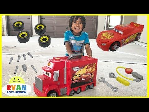 Disney Pixar Cars 3 Lightning McQueen Mack's Mobile Tool Center! Truck Toys Kids Playtime
