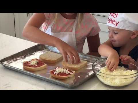 How To Make Pizza Toast - Kids in the Kitchen | Six Sisters Stuff