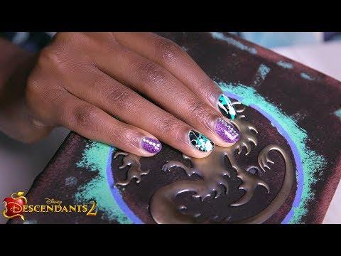 Mal Nail Tutorial 💅  | DIY | Descendants 2