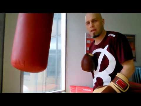 Boxing - Common Beginner Heavybag Mistakes | Spanish Subtitles