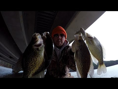 Winter Crappie Fishing - Catching SLABS In Cold Muddy Water