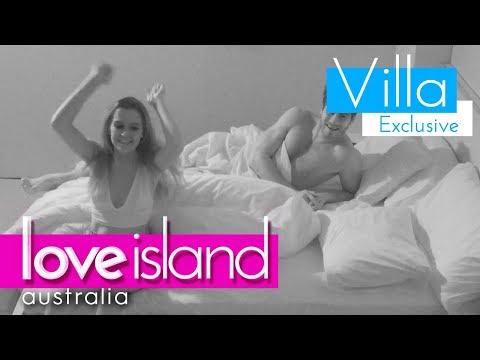 It's a Love Island pillow fight! | Love Island Australia 2018