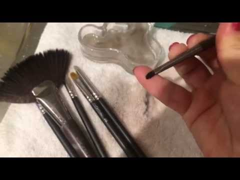 How to sterilise & clean makeup brushes between clients faces
