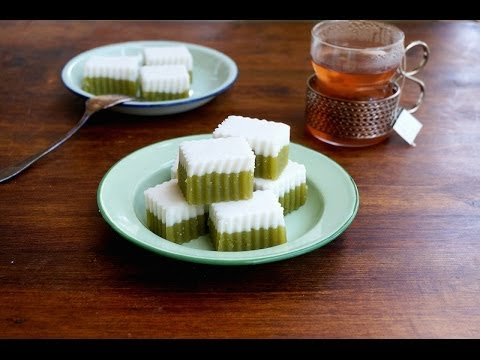 Kuih Talam {Pandan & Coconut Layered Cake}