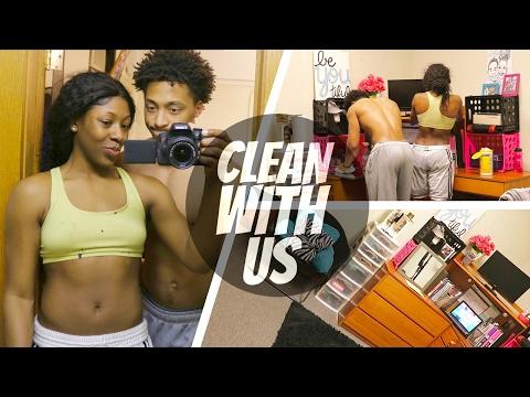 BOYFRIEND HELPS ME CLEAN MY ROOM!🚮💑   Nighttime Routine for School