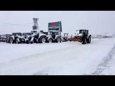 Cleaning the snow with HURLIMANN XT-910.6