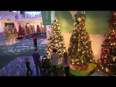 Christmas Around the World and Holidays of Light at MSI