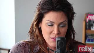 Download Beth Hart ″St. Teresa″ Video
