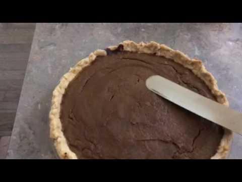 Easy fix to cracks in pumpkin pie