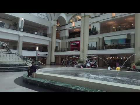 Shopping Inside Tower City Mall - Downtown Cleveland