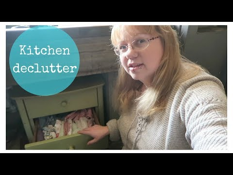 Kitchen declutter and organising under the sink!