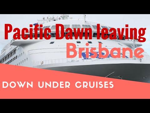 P&O Pacific Dawn leaving Brisbane