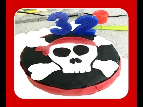 Fondant Pirate Flag-Skull Cake