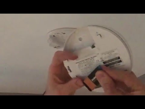 How to change a smoke alarm battery