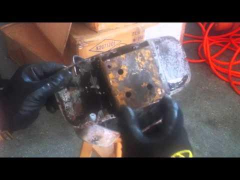 Inside a Briggs & Stratton Muffler - How It Woks/Repair