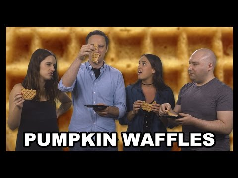 Pumpkin Spice Eggos Taste Test! - Food Feeder