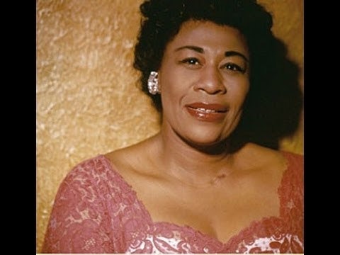 Ella Fitzgerald - People Will Say We're in Love. with  ( Ellis Larkins)