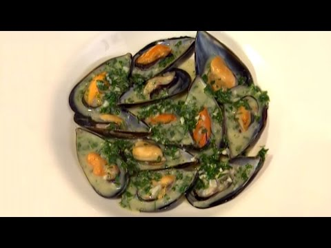 How to Cook Mussels in White Wine Sauce