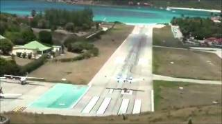 The Scariest Airplane Landings You