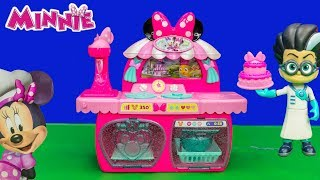 MINNIE MOUSE Disney PJ Masks Saves the Bowtastic Pastry Kitchen from Romeo