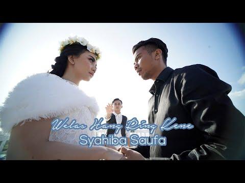Syahiba Saufa Welas Hang Ring Kene