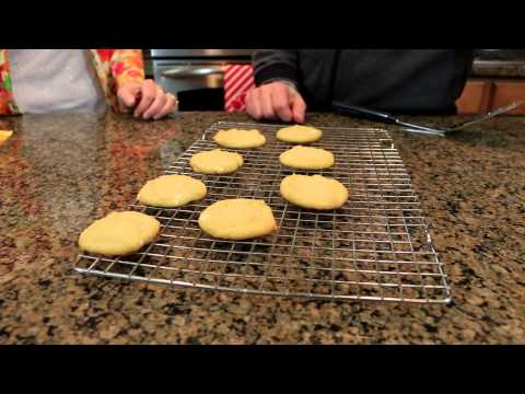 Nestle Tollhouse Lemon White Chocolate Cookies!