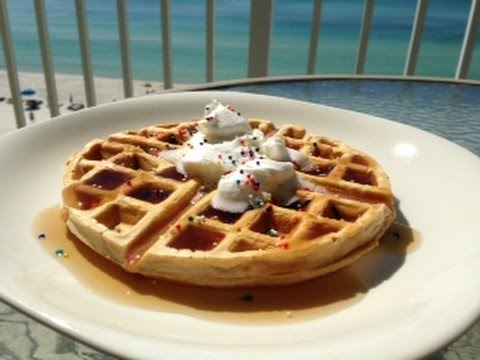3 Ingredient Protein Waffle - Super QUICK & EASY!
