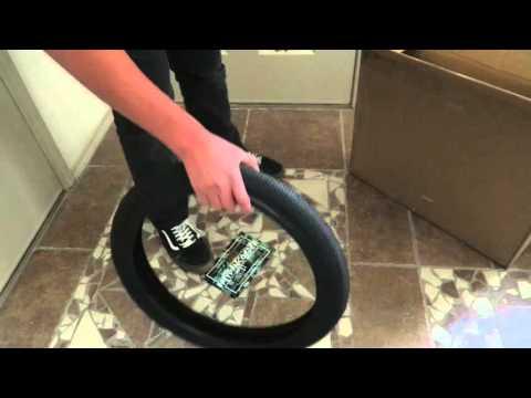 Unboxing Cult Vans Tire