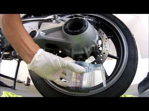 R1200GSW Full Service Final Drive Oil Change Part Two