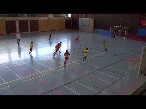 U9 Soccer Teamwork - even the referee applauds
