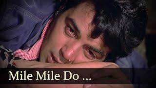 Mile Mile Do Badan Khile Khile Do Chaman - Dharmendra - Rakhi - Blackmail - Kishore Lata Duet