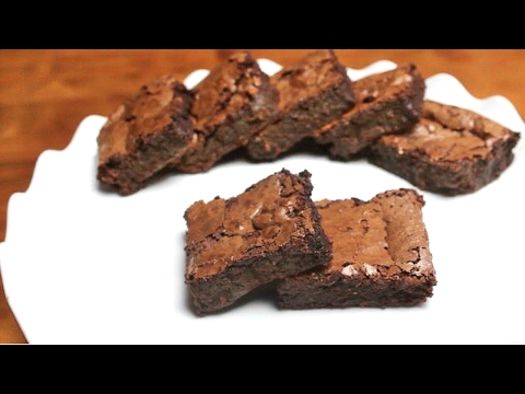 Rich and Fudgy Gluten-Free Brownies | 6 ingredients
