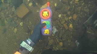Found 2 Phones, Knife and Jewelry Underwater in River! (Scuba Diving)