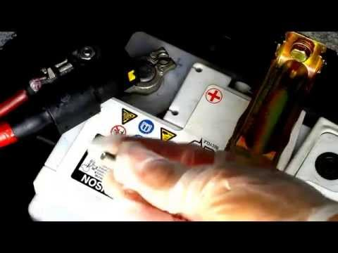 How to replace a broken battery T Bolt on your e46