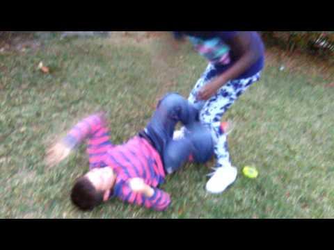 Kids fighting Vine 😂😁😀😄😅😆