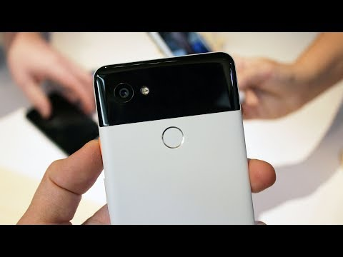 Hands-on with Google Pixel 2 & Pixel 2 XL