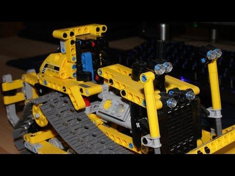 LEGO Technic Bulldozer Build Timelapse (42028)