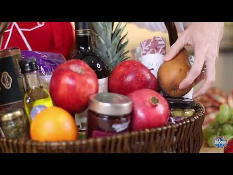 How To Make Your Own Holiday Gift Basket - The Produce Moms