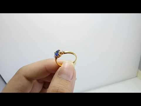 blue sapphire with diamonds on site ring (no.4125)