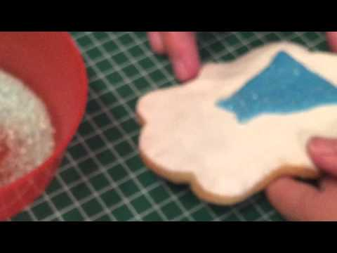 How to make a Elsa Cookie from the Disney movie Frozen!