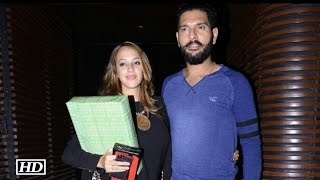 Hazel's Loving NOTE For Hubby Yuvraj Singh