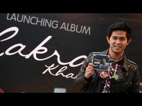 Download Cakra Khan - Tak Bisa Lepas (Lyrics Video HD) MP3 Gratis