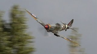 Supermarine Spitfire MkXVII - Low & Loud
