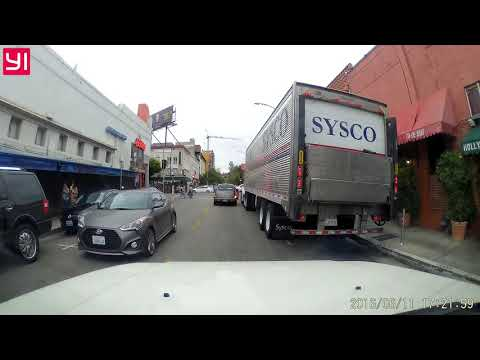 Crazy woman drive on the wrong side