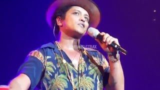 Bruno Mars  Money Make Her Smile Mash Up Live  La