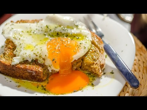 How to make tasty and healthy fried eggs without oil